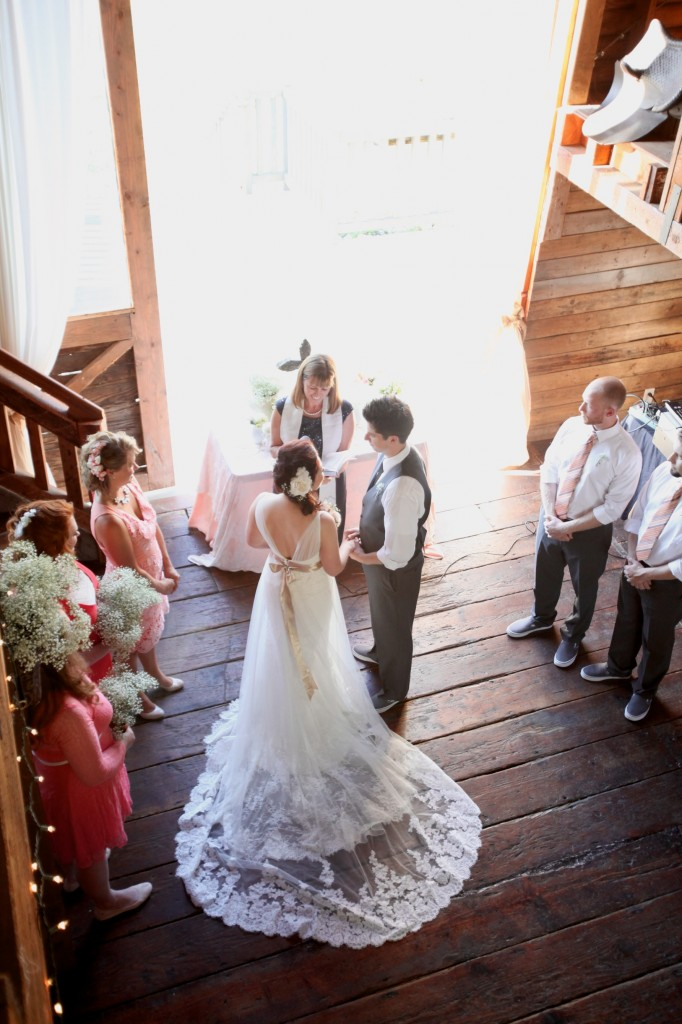 seattle wedding photographer auburn wine and roses country estate bride groom wedding party barn victorian country washington 4 (1)
