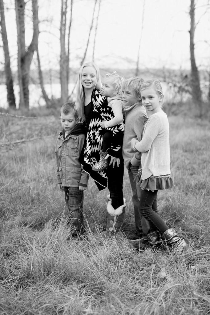 seattle family photographer rachael kruse shawn petree anna petree magnuson park seattle washington children child kid water winter december 7