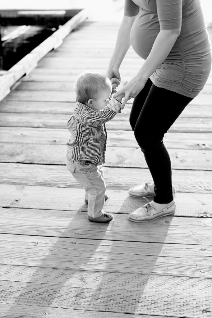 seattle maternity family photographer rachael kruse zack sarah maaoncini green lake lake water one year old baby photos 8