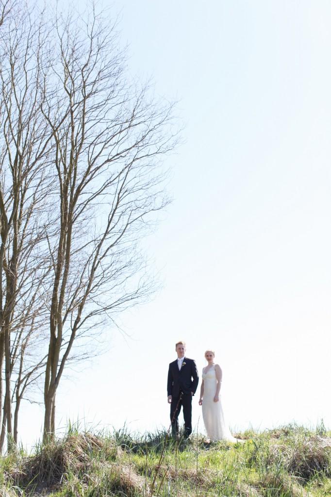 seattle wedding photographer golden garden boathouse boat house sand beach wedding bride groom ballard hannah swayne gavin swayne 10