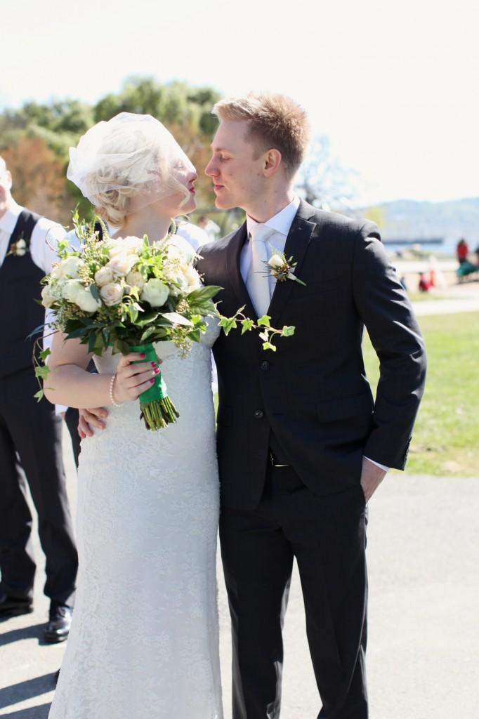 seattle wedding photographer golden garden boathouse boat house sand beach wedding bride groom ballard hannah swayne gavin swayne 17