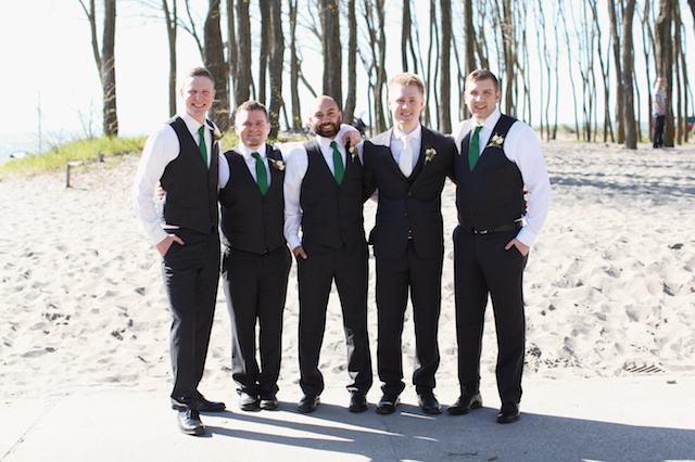 seattle wedding photographer golden garden boathouse boat house sand beach wedding bride groom ballard hannah swayne gavin swayne 2 (2)