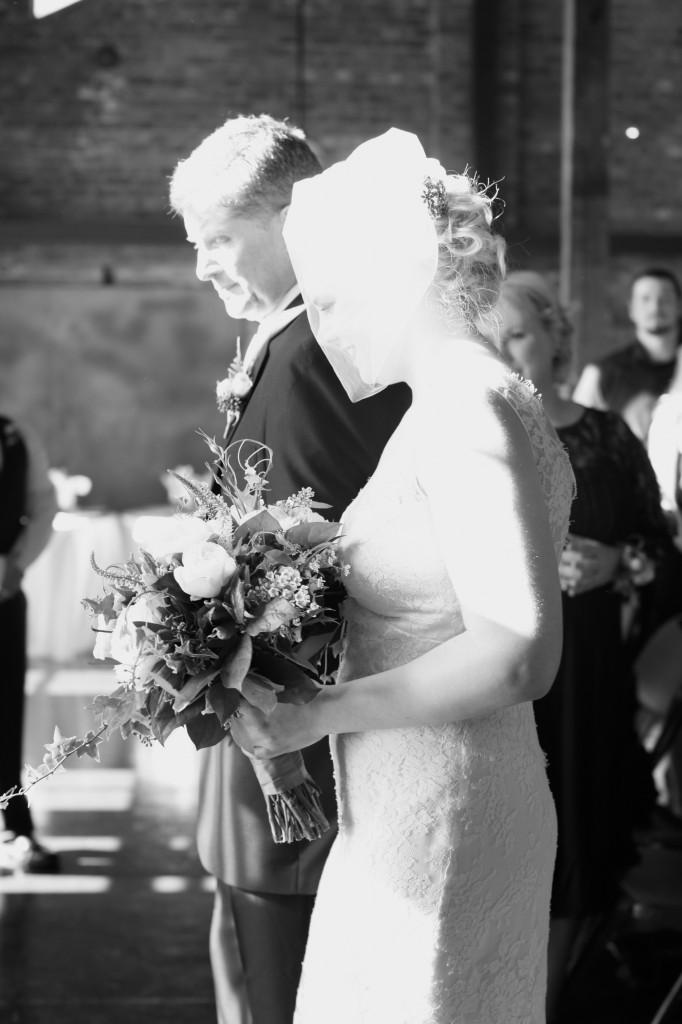 seattle wedding photographer golden garden boathouse boat house sand beach wedding bride groom ballard hannah swayne gavin swayne 6