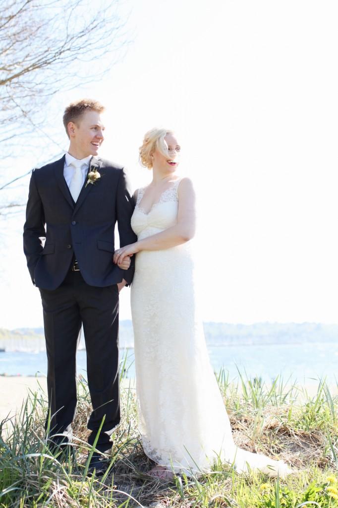 seattle wedding photographer golden garden boathouse boat house sand beach wedding bride groom ballard hannah swayne gavin swayne 8