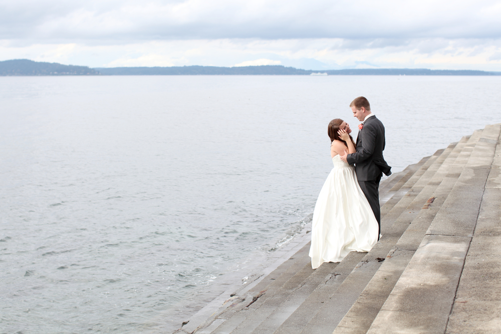 seattle wedding photographer photography rachael kruse ocean pudget sound the hall at fauntleroy film photographer engagement west seattle bride and groom photos steps into water