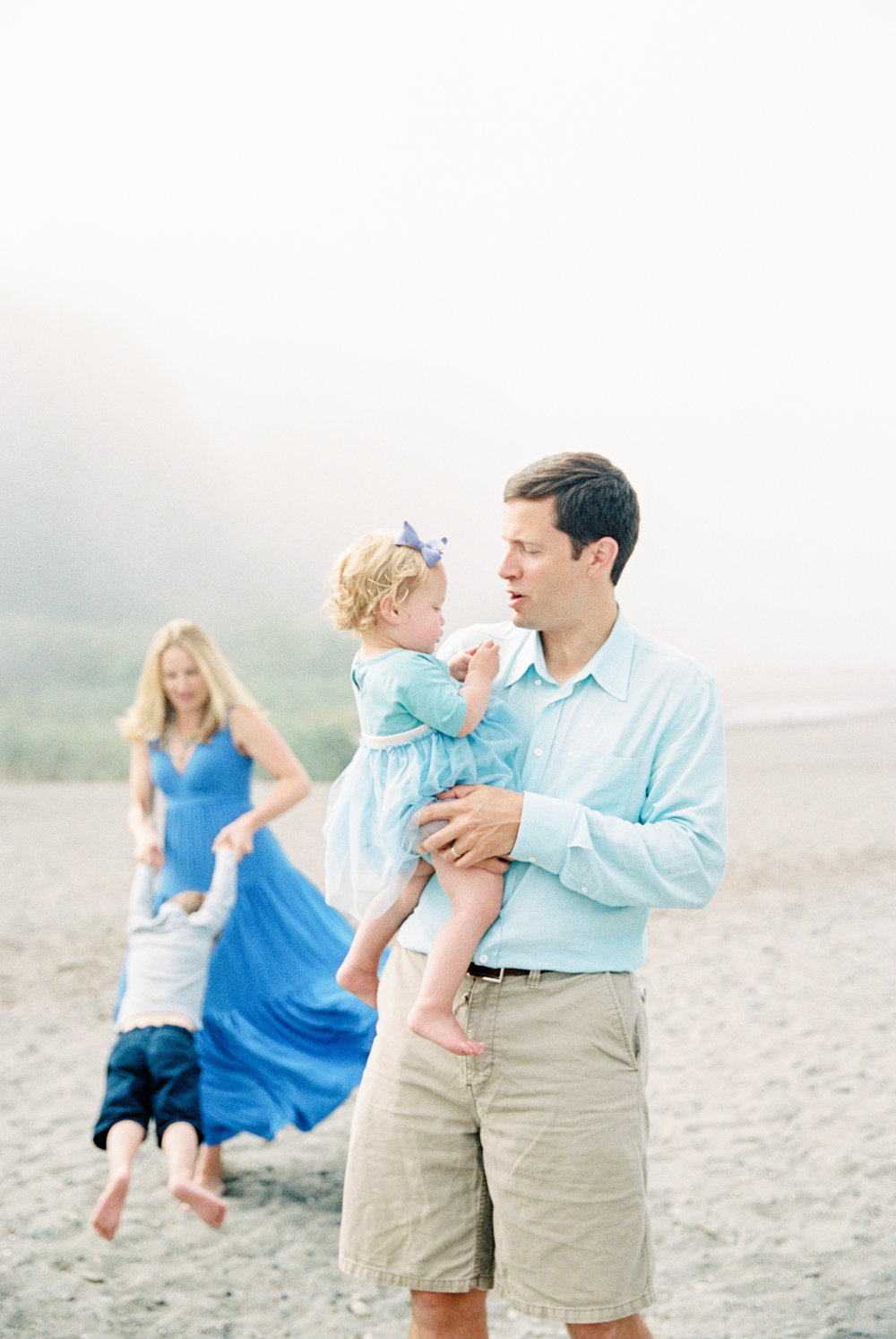 seattle family photographer photography film kids children baby newborn carkeek park ocean
