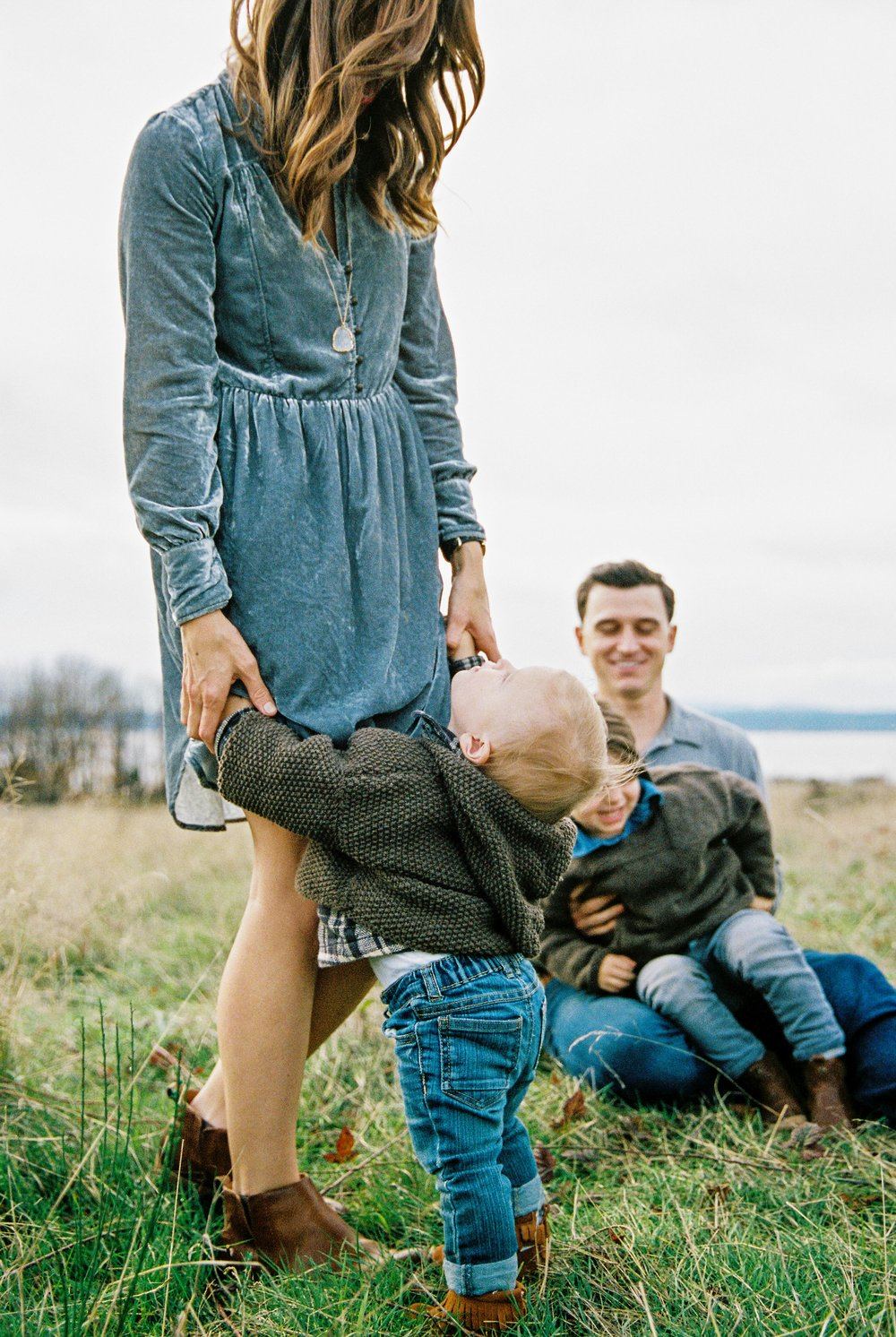 seattle family photographer photo discovery park children child kids kid mom dad brother double exposure film kodak portra 400 35mm pudget sound most popular top best rated photographer baby one year old