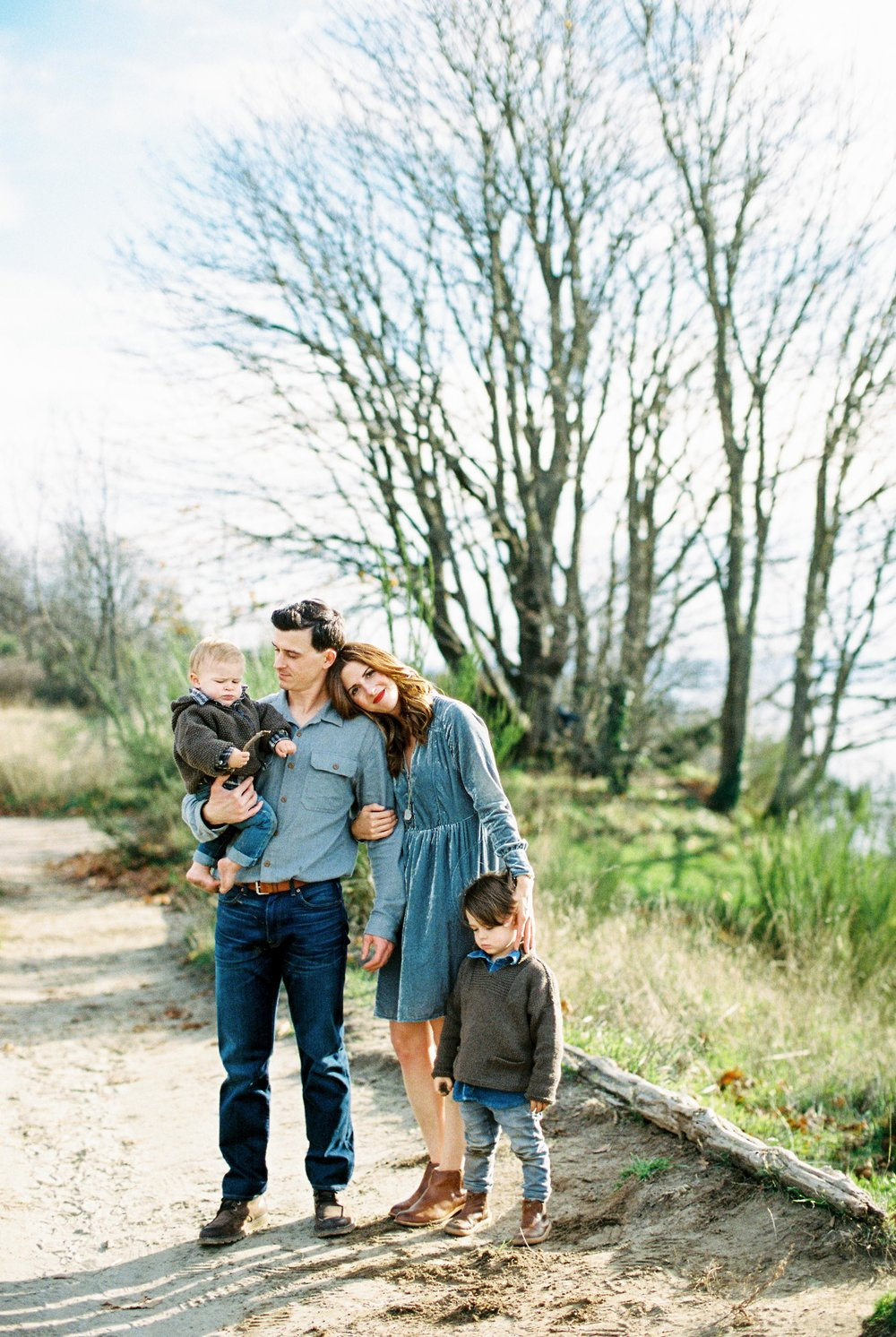 seattle family photographer photo discovery park children child kids kid mom dad brother double exposure film kodak portra 400 35mm pudget sound most popular top best rated photographer rachael kruse photography