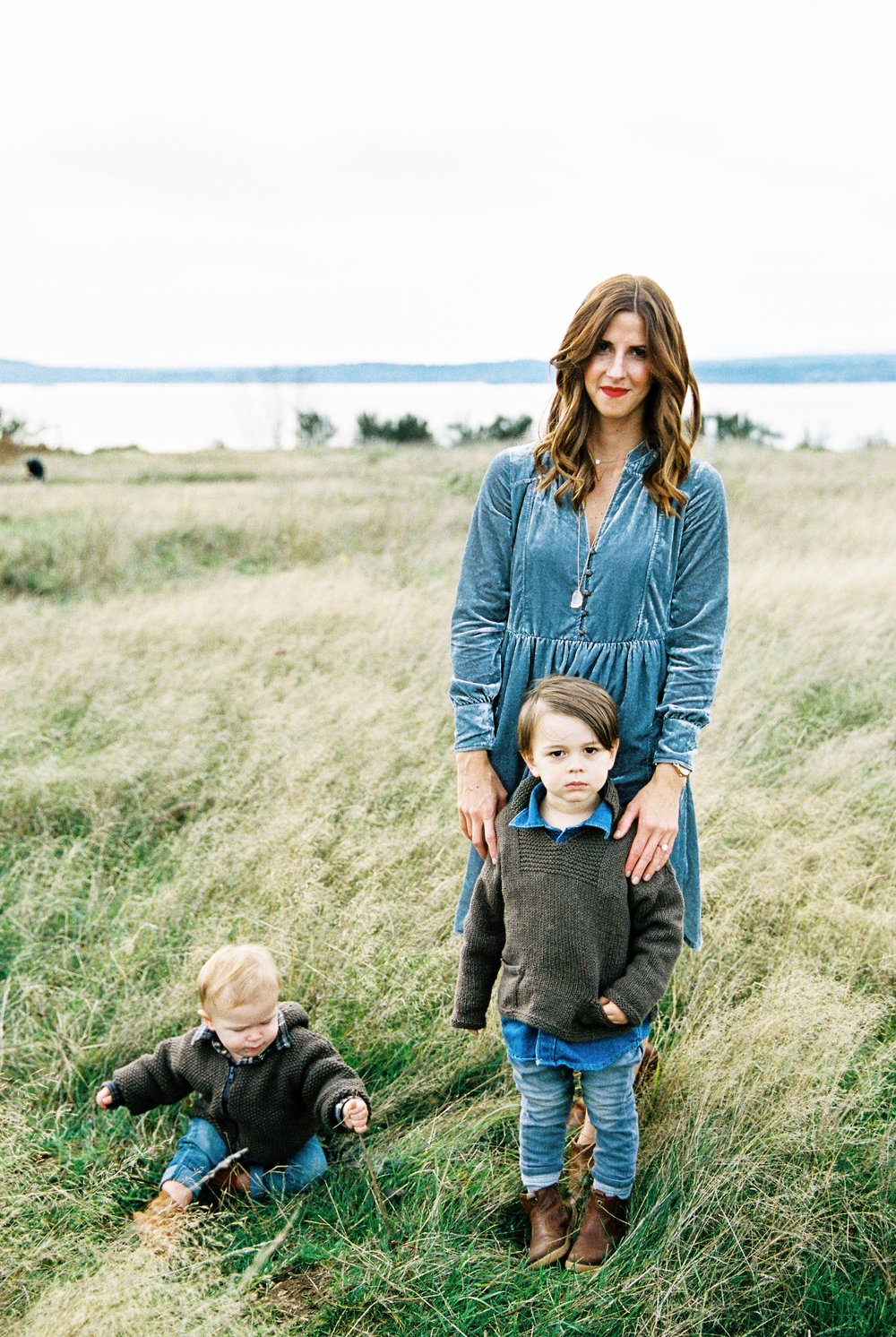 seattle family photographer photo discovery park children child kids kid mom dad brother double exposure film kodak portra 400 35mm pudget sound most popular top best rated photographer rachael kruse photography meg kilcup fall