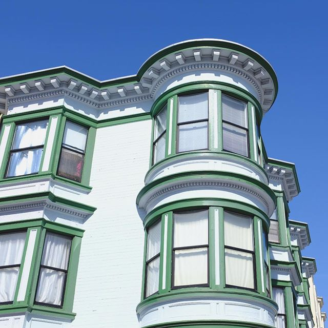 Sunny sf days are prime neighborhood walking days. . . . #sanfranvsco #sfarchitecture