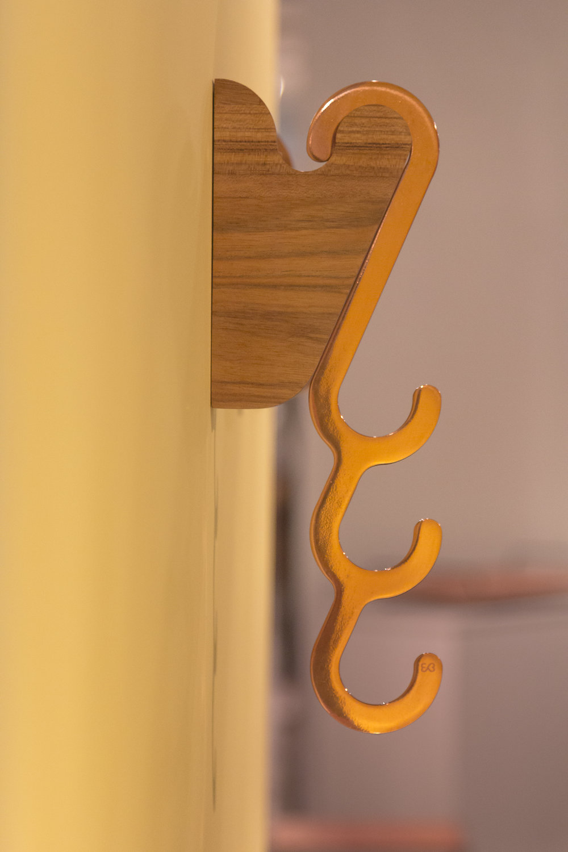 wall_hanger_Pinduh-and-hanger_hook_Manuh_copper-design_Eduardo_Borem-0079.jpg