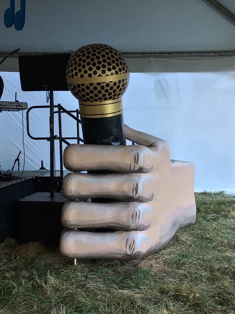 microphone16.jpg