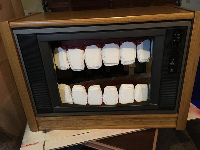 pussy stomp tv teeth6 web.jpg