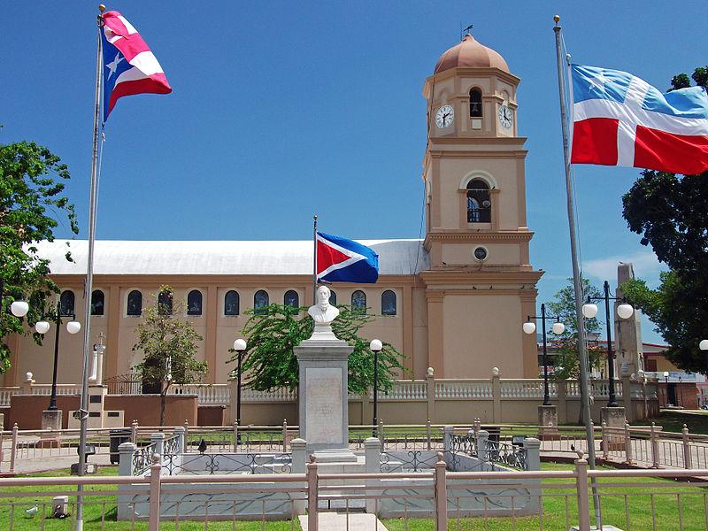 800px-Mausoleo_Dr._Ramón_Emeterio_Betances_y_Alacán_en_Cabo_Rojo.jpg