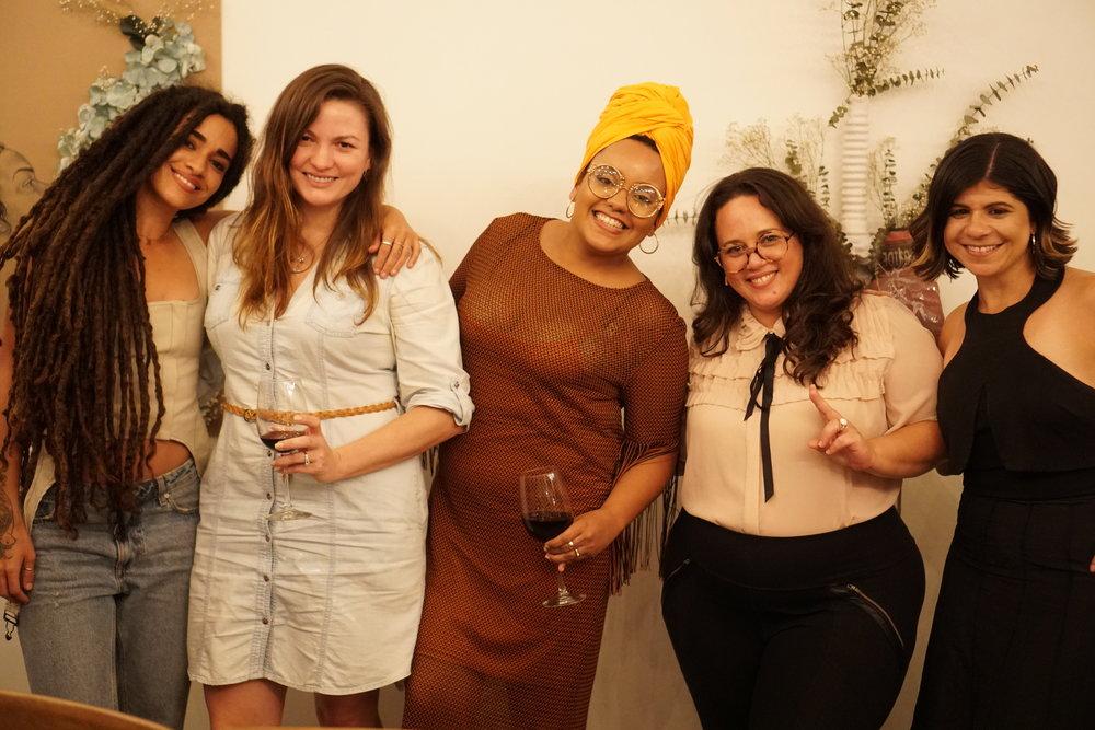 Calma Carmona (There's No Other Girl), Denisse Rodríguez (Colmena 66), Mari Laura Rohena (Capital Mujer), Mimi Giusti (Fiji Water - JUSTIN Vineyards & Winery - Landmark Vineyards) y Deliana Olmo (D.O.T Communications).
