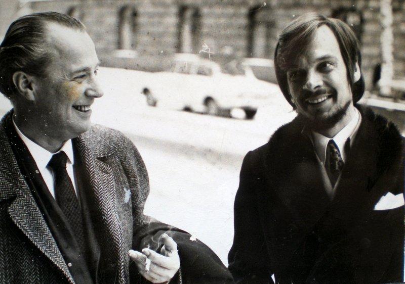 Advokat Alf Nordhus og Sten Ekroth ved tingshuset før injurie-rettsaken i februar 1970. Pressebilde.
