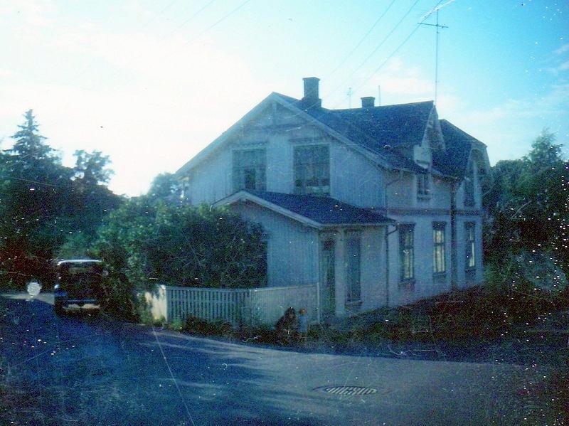 Glemmengaten 73. Det lille annekset var åstedet som ble kalt Lille Helvete innen John og Håkon-Edvard ble drept med 14 øksehogg 23-e og 24-e desember 1969.