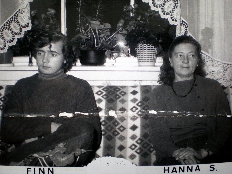 Hanna Kristiansens datter Hanna, og hennes sønn Finn, som besøkte Hanna Kristiansen på julaften 1969.