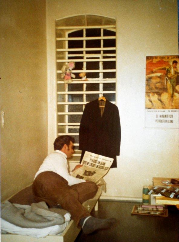 Per Liland i sin celle på Møllergaten 19 i Oslo. Fotografert av fangevokteren.