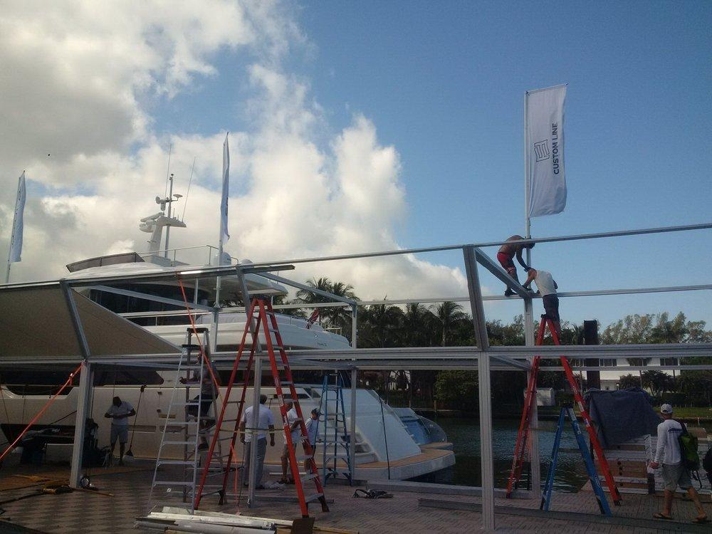 Bandiere Ferretti per Miami