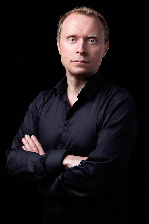 amsterdam-headshot-portrait-zakelijk-bedrijf-portret-mark-hadden-photographer-fotograaf--4.jpg