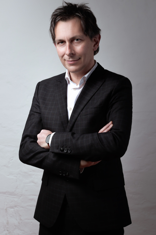 amsterdam-headshot-portrait-zakelijk-bedrijf-portret-mark-hadden-photographer-fotograaf--5.jpg