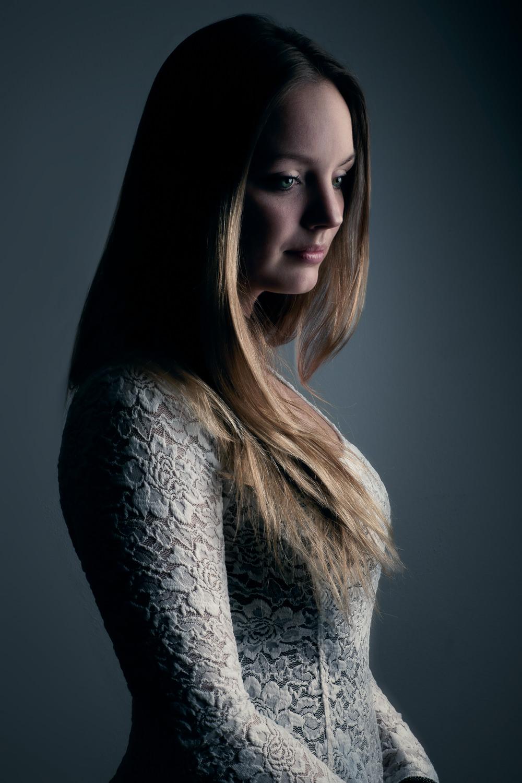 mark-hadden-amsterdam-london-headshot-business-portrait-zakelijk-portret-portretfotografie-fotoshoot-Lonneke-002.jpg