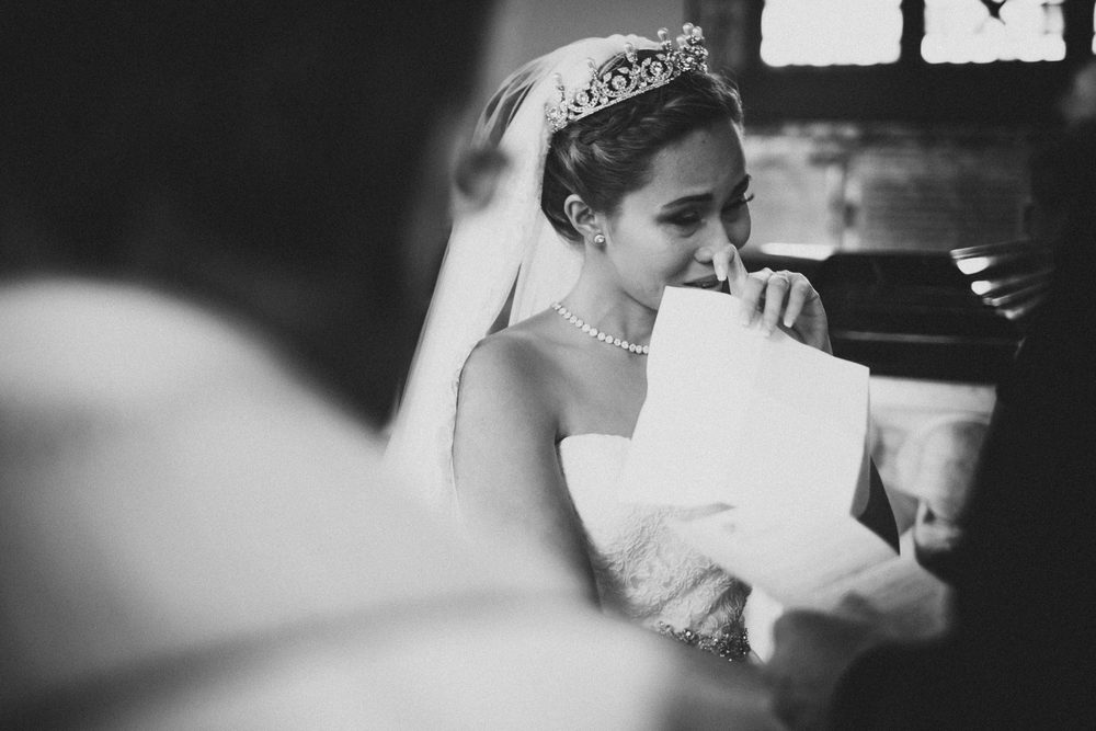 intieme en emotionele bruidsfotografie voor attent stellen