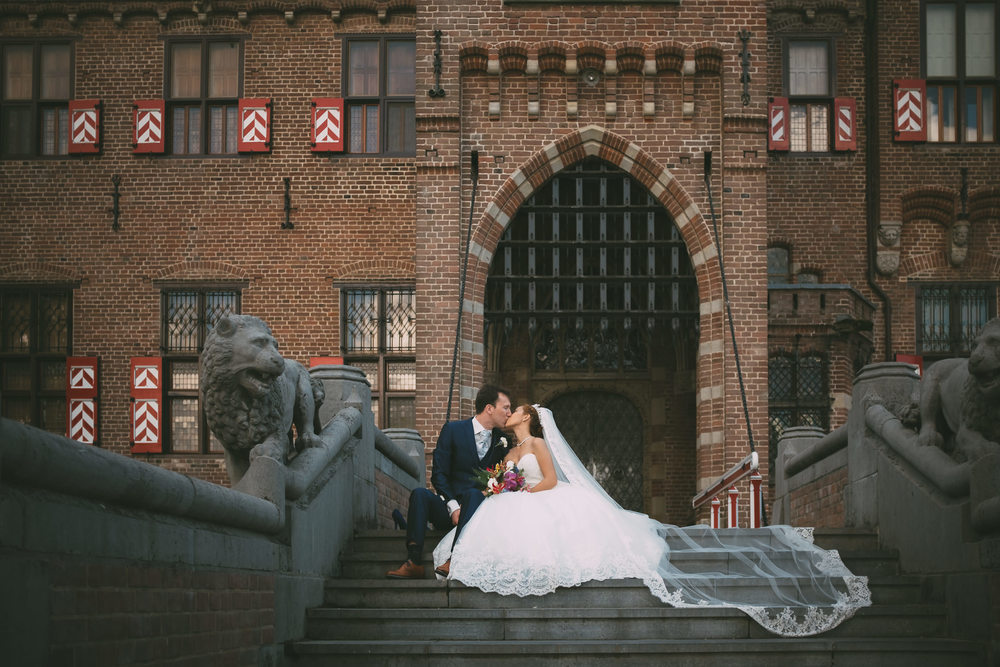 imtimate and emotional wedding photography by mark hadden of amsterdam