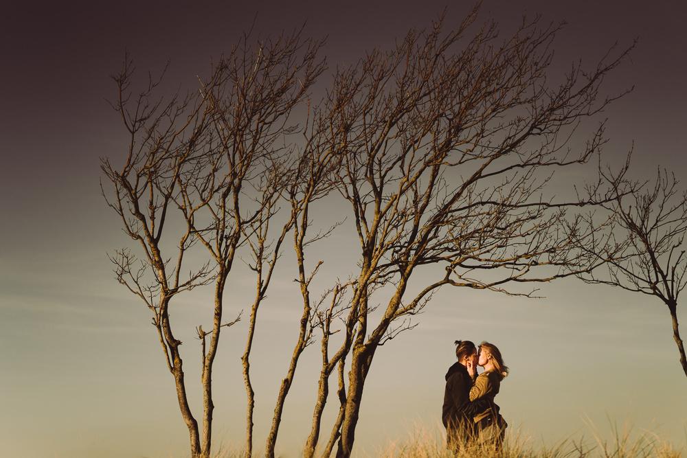 loveshoot in amsterdam by bloemendaal bruidsfotograaf mark hadden