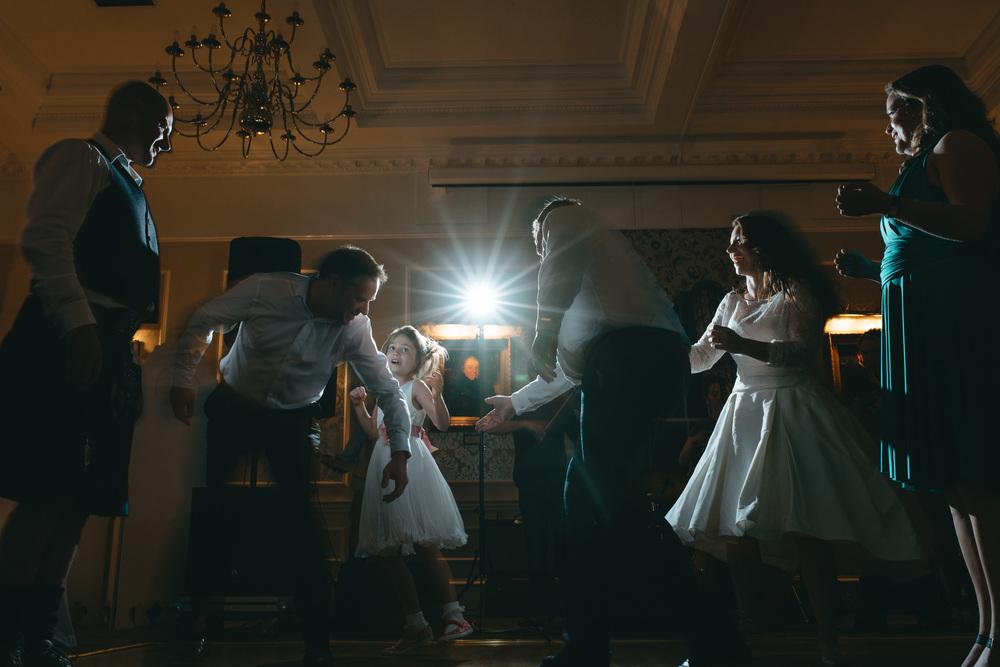 bruidsfotografie-amsterdam-utrecht--aberdeen-mark-hadden-wedding-photography-lynne-steve-397.jpg
