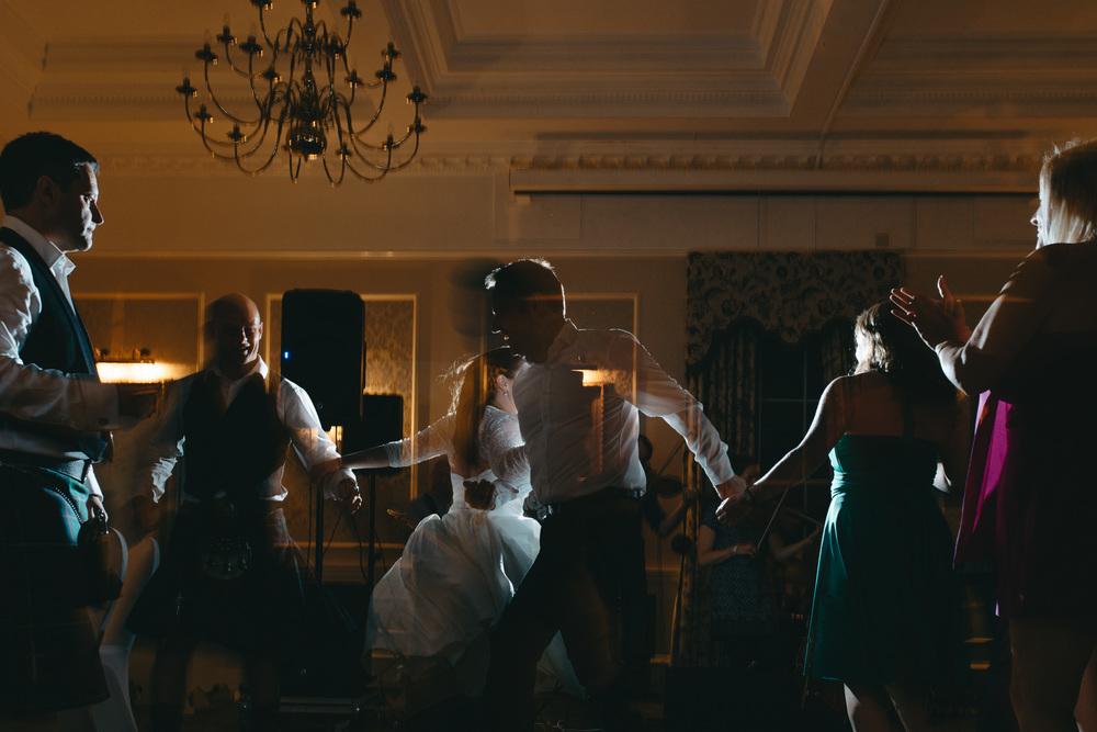 bruidsfotografie-amsterdam-utrecht--aberdeen-mark-hadden-wedding-photography-lynne-steve-401.jpg