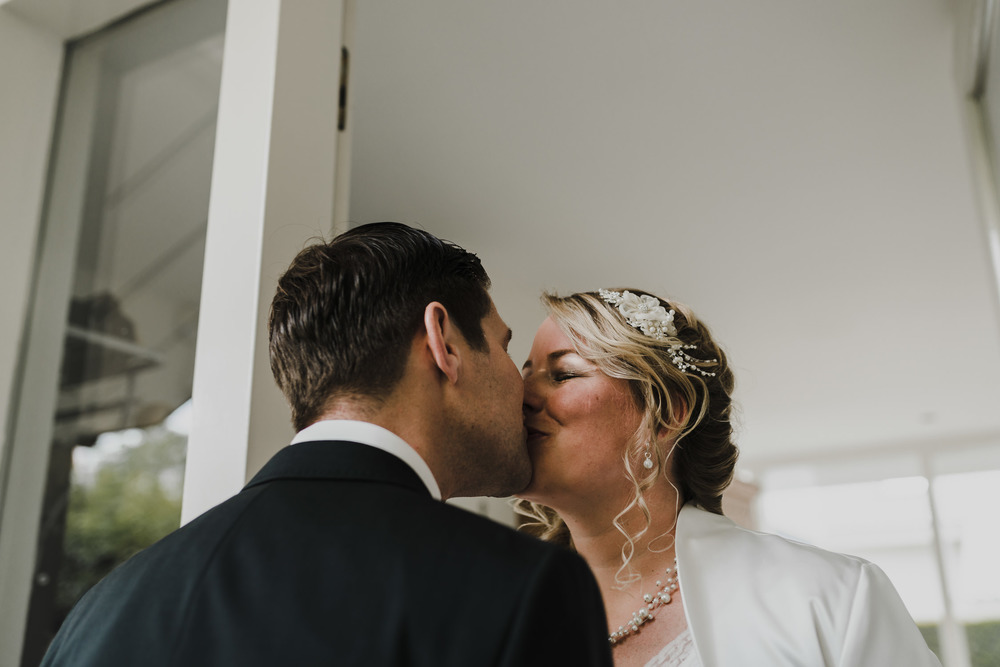 bruidsfotografie-amsterdam-utrecht-mark-hadden-wedding-photography-rowan-gideon-084.jpg