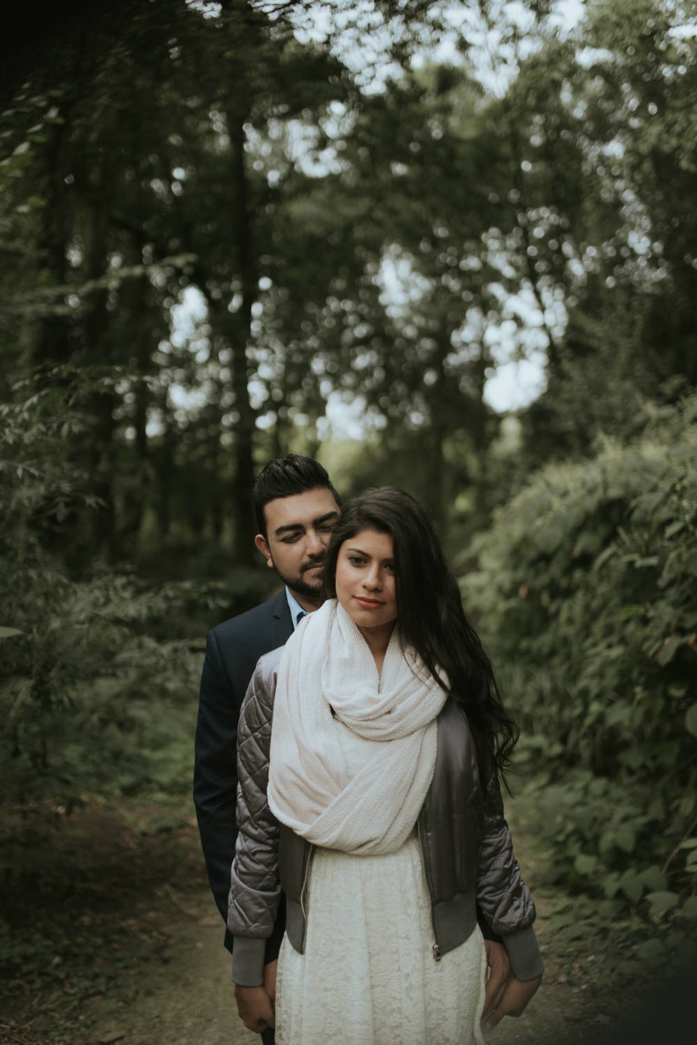 loveshoot bruidsfotografie amsterdam couple on path by mark hadden