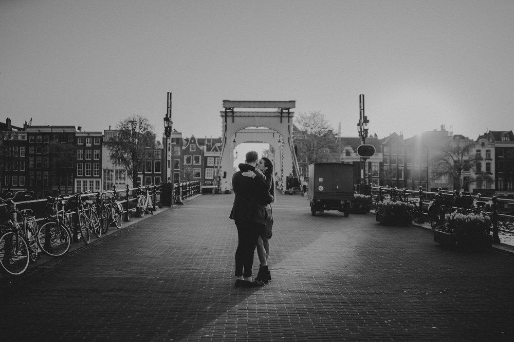 skinny bridge engagement shoot amsterdam bruidsfotograaf mark hadden