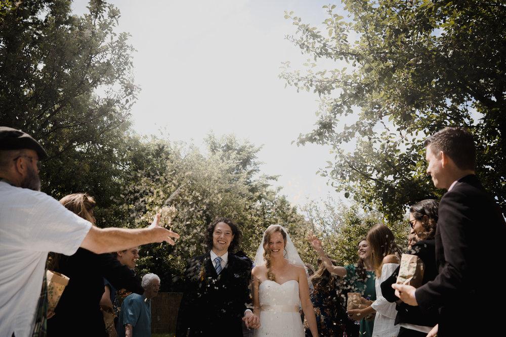 bruidsfotografie amsterdam confetti ceremonie