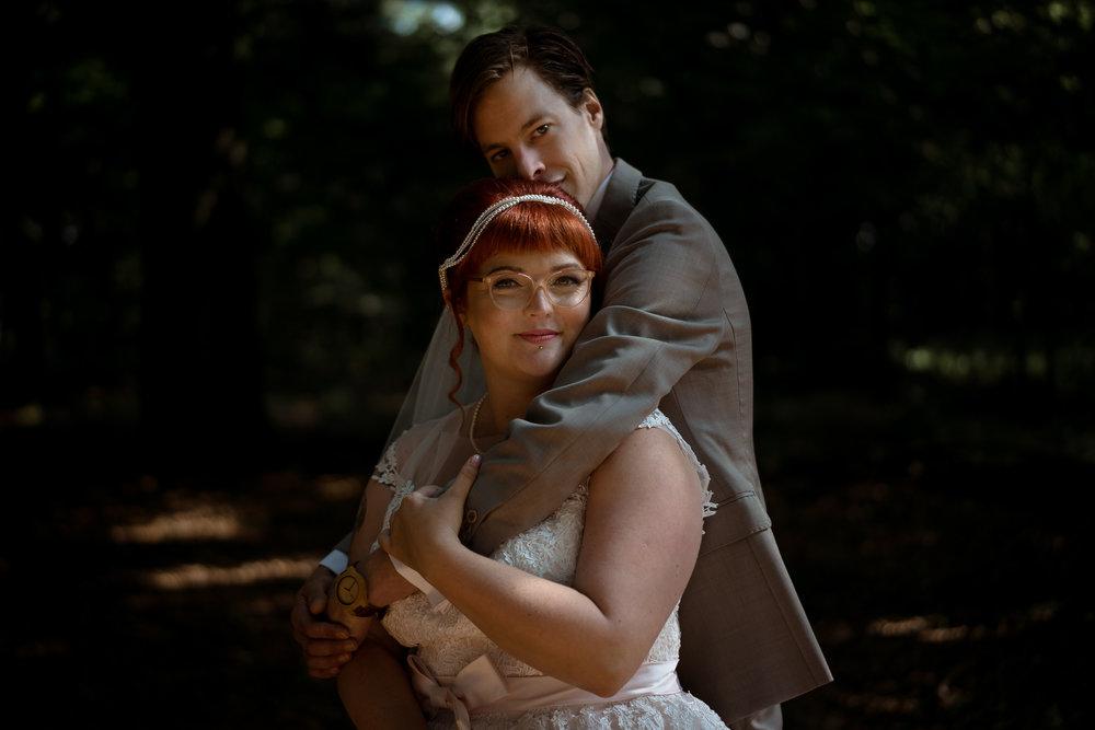 bruidsfotograaf amsterdam mark hadden bruidspaar in den bos