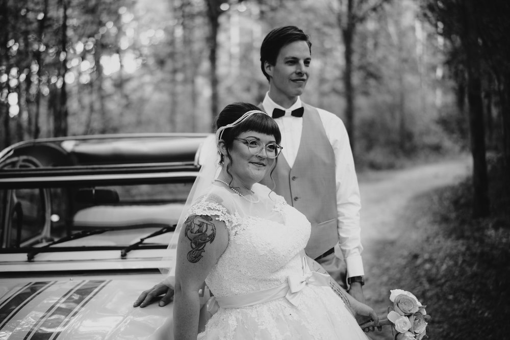 wedding couple in the forest by mark hadden amsterdam trouwfotograaf