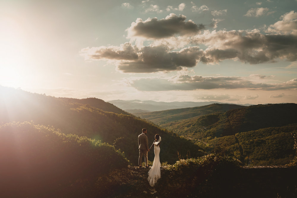 destination wedding photographer mark hadden tuscany wedding couple on mountain