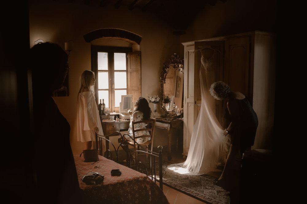 bride hair and makeup tuscany wedding photographer amsterdam