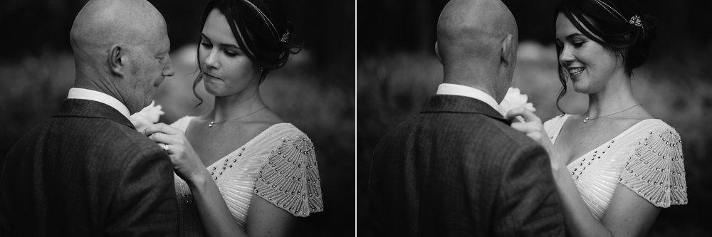 amsterdam trouwfotograaf emotioneel portret met trouwjurk