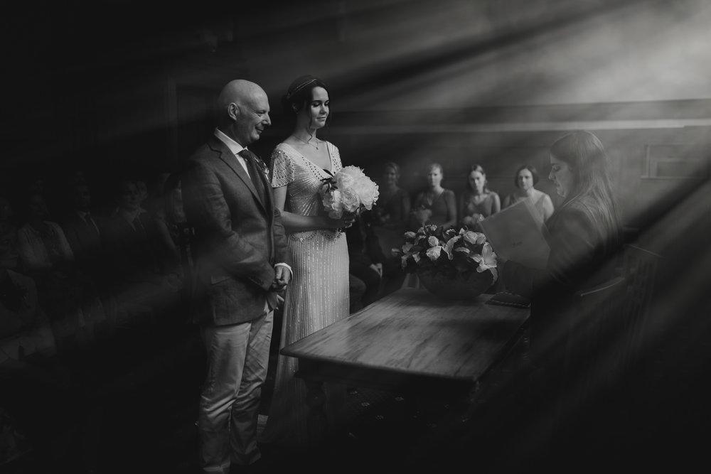 amsterdam bruidsfotograaf bruiloft in londen mark hadden destination wedding photographer