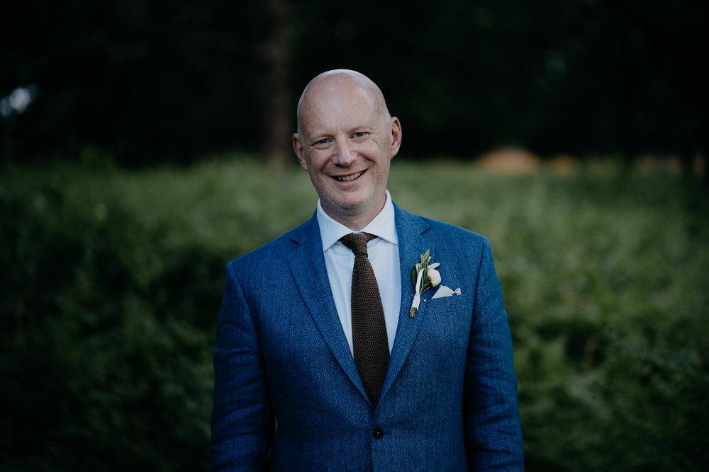 london destination photographer groom portrait