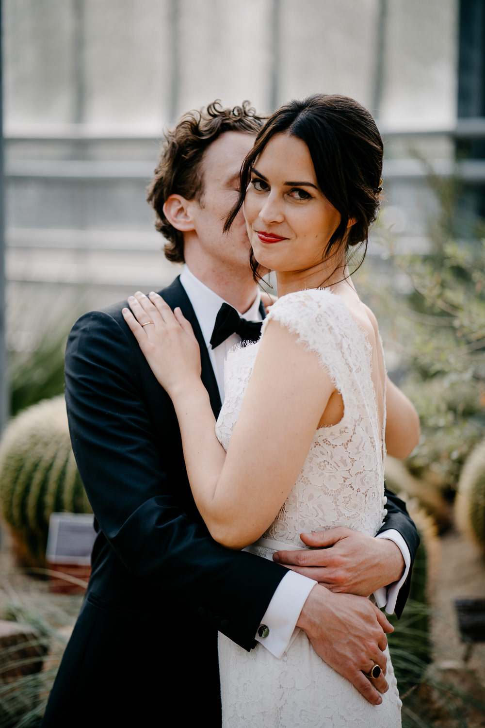 amsterdam wedding photographer couple portrait desert house hortus amsterdam