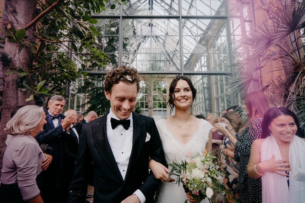 net getrouwd hortus amsterdam bruidsfotografie door mark hadden trouwfotograaf