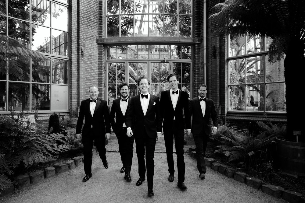 best wedding photographer amsterdam groomsmen photos at hortus amsterdam