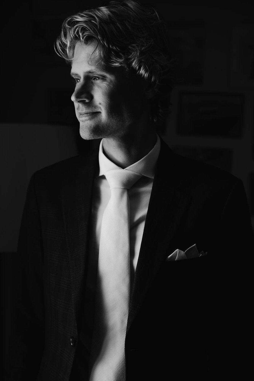 groom prep portrait in utrecht by mark hadden wedding photographer