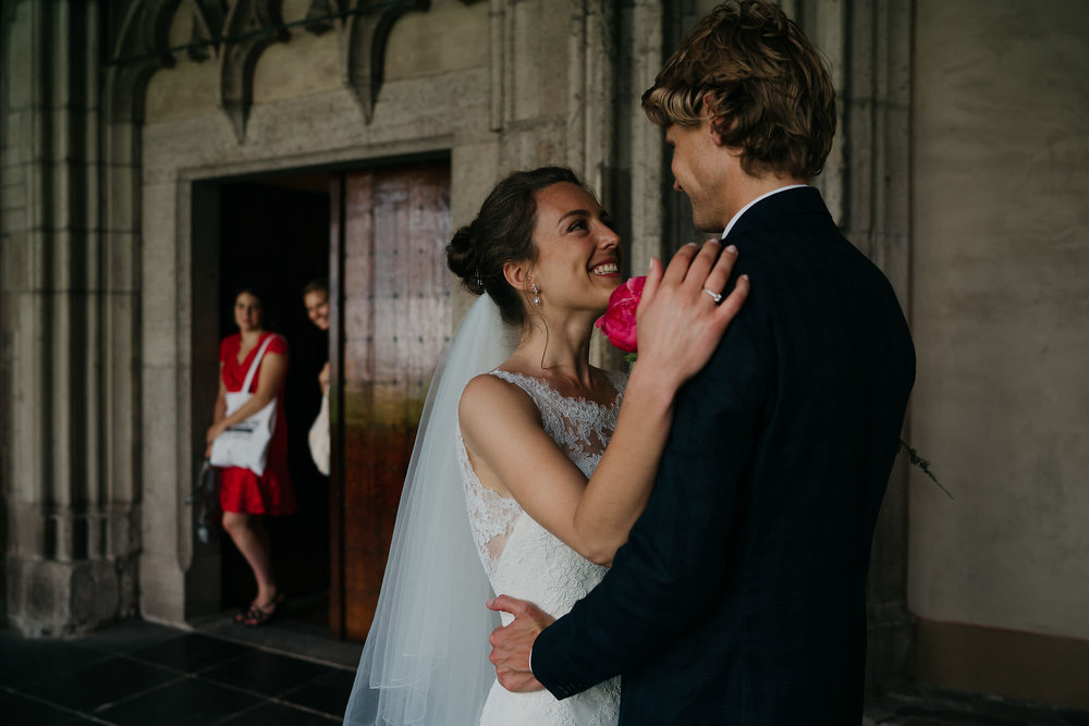 wedding photography amsterdam and utrecht couple mereting for the first time in the dom tower