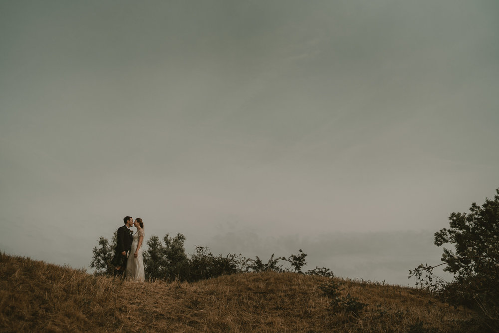 couple photography at beautiful wedding location pure pavillon