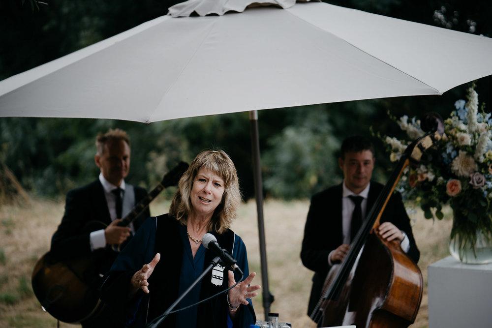 Beautiful wedding photography reportage by Mark Hadden